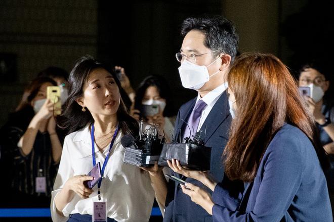 """Tòa án bác bỏ lệnh bắt giữ """"Thái tử"""" Samsung - Ảnh 1."""
