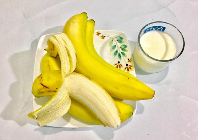 Ăn chuối kết hợp với sữa có tốt cho sức khỏe không? - 1